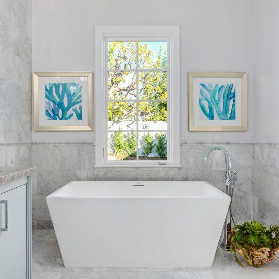 San Marino III Master Bath tub